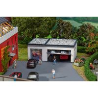 GARAGES (1 SIMPLE, 1 DOUBLE)