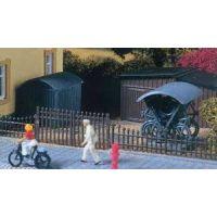 Abri à vélos et cabane en tôle