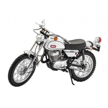 Moto YAMAHA 250 DT-1