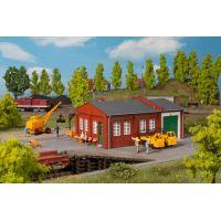 Atelier ferroviaire avec rampe
